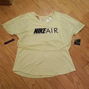 NWT size L Nike top